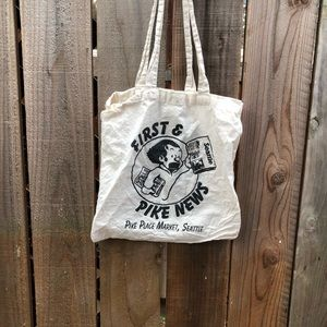 Vintage Bags - Vintage Pike's Place Reading Seattle Tote Bag